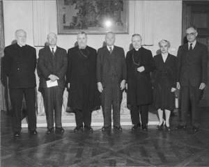 1947 Symposium Speakers, Dumbarton Oaks. Left to right: Guillaume de Jerphanion, Albert Mathias Friend, Jr., Eugène Cardinal Tisserant, Alexander Vasilev, unknown, Sirarpie Der Nersessian, and André Grabar.